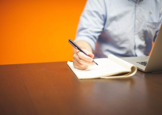 Comment rédiger de bons contenus web ? Interview d'Alban Jarry